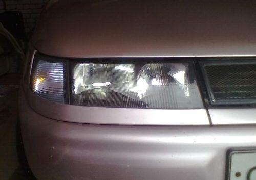 Фара ближнего и дальнего света на автомобиле ВАЗ-2110
