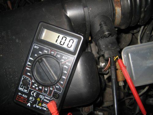 Проверка датчика расхода воздуха ВАЗ-2110 мультиметром