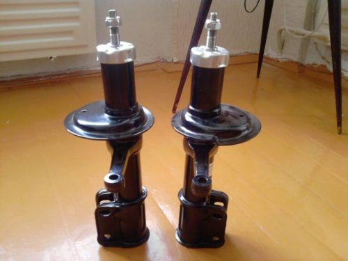 Передние стойки для ВАЗ-2110