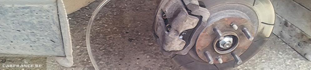 Прокачка тормозов переднего колеса на ВАЗ-2110