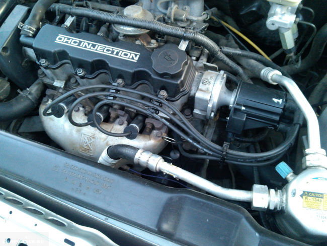 Двигатель 8 клапанной Дэу Нексия, вид сверху