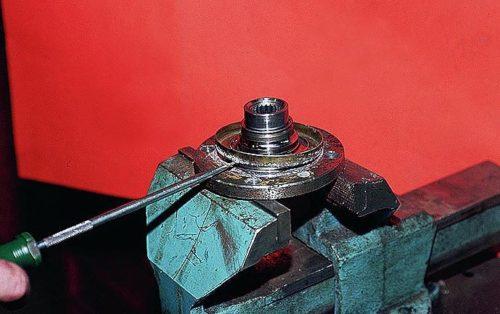 Грязезащитное кольцо подшипника ступицы ВАЗ-2110