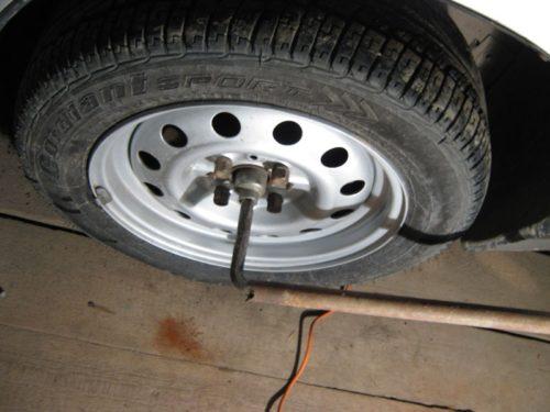 Гайка переднего подшипника ступицы автомобиля ВАЗ-2110