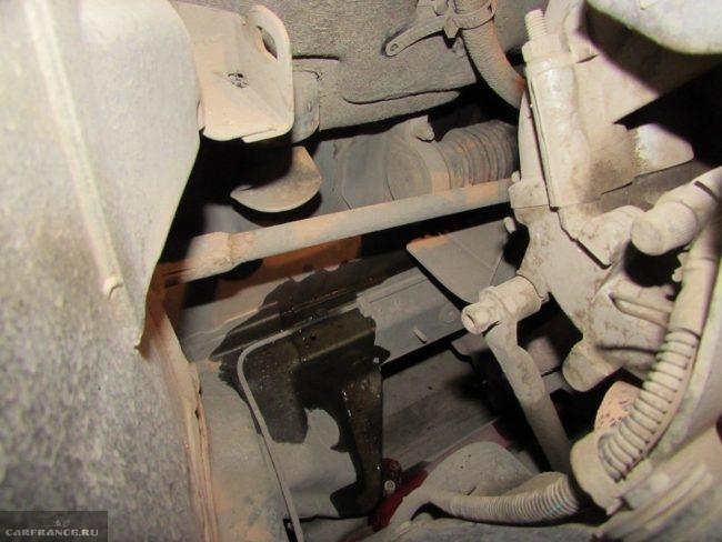 Потеки антифриза в моторном отсеке автомобиля ВАЗ-2110