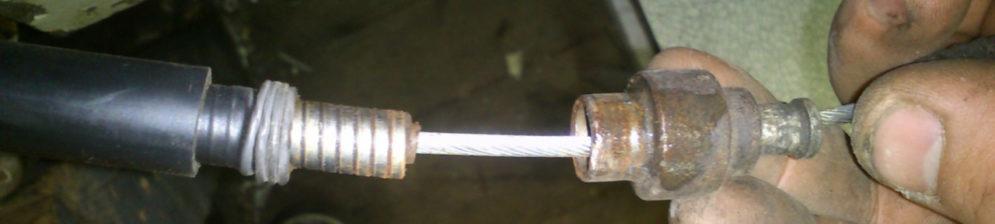 Неисправный тросик ручника на ВАЗ-2110 вблизи