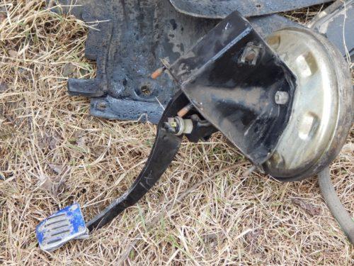 Снятый с ВАЗ-2110 вакуумный усилитель тормозов
