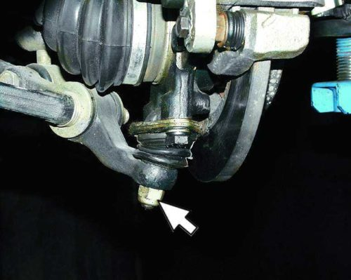 Гайка крепления шаровой опоры к рычагу подвески на автомобиле ВАЗ-2110