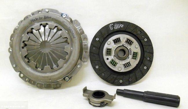 Комплект для полной замены сцепления в автомобиле ВАЗ от фирмы Valeo