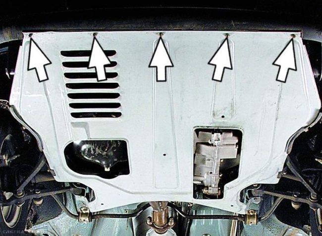 Саморезы крепления дождевика к переднему бамперу в автомобиле ВАЗ-2110