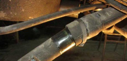 Наливной резиновый рукав бензобака в ВАЗ-2110, хомут крепления к горловине