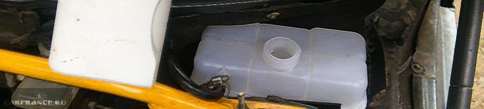 Расширительный бачок от Приоры на ВАЗ-2110