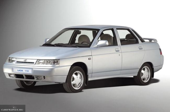 Автомобиль ВАЗ-2110 с штампованными дисками с разболтовкой 4х98