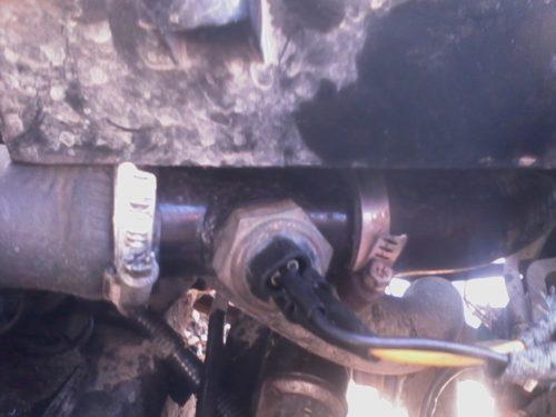 Тройник в патрубке радиатора ВАЗ-2110 и дополнительный датчик включения вентилятора охлаждения двигателя