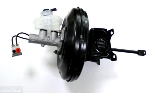 Общий вид вакуумного усилителя тормозов ВАЗ-2110