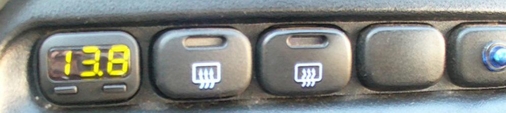Бортовой компьютер на ВАЗ-2110 мини-размера вместо кнопки
