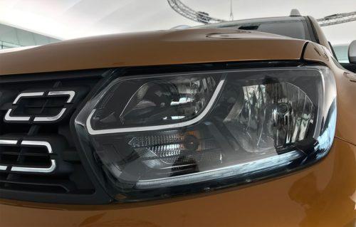 Стильная фара с LED-лампами в новой модификации Рено Дастер 2018 года выпуска