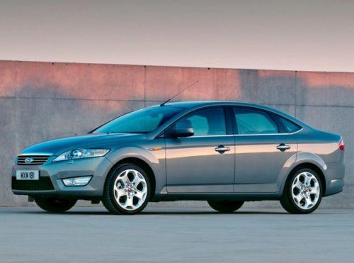Вид сбоку автомобиля Форд Мондео, производимого до 2010 года
