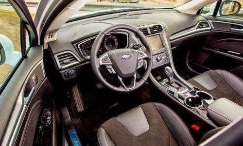 Рулевое колесо и органы управления автомобилем Форд Мондео 2018 модельного года