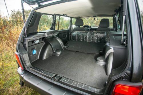 Багажное отделение автомобиля Лада 4х4 2018 модельного года в пятидверном кузове
