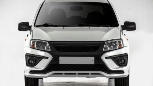 Автомобиль Лада Гранта 2018 модельного года с новым передним бампером