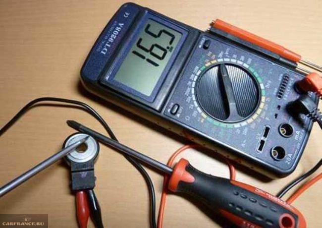 Проверка датчика детонации ВАЗ-2110 мультиметром