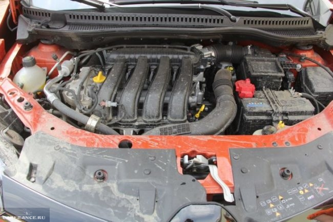 Бензиновый двигатель объемом 2 л под капотом Рено Каптур 2018 года