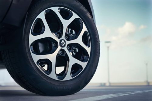 Колеса с литым диском на кроссовере Рено Каптур 2018 года производства