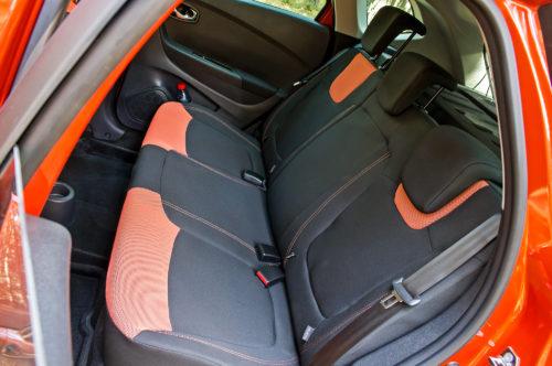 Задний ряд пассажирских сидений в Рено Каптур 2018 года