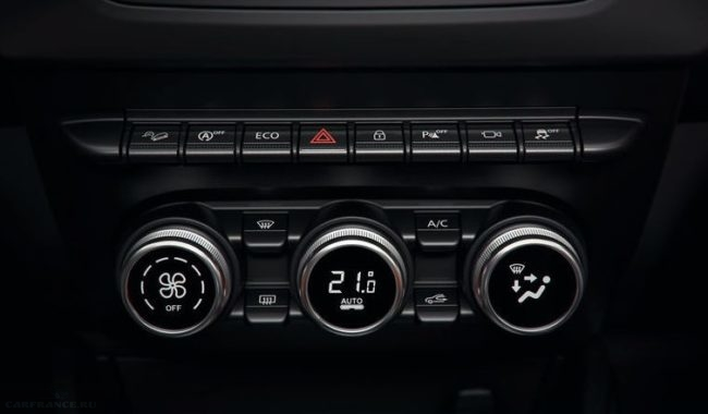 Блок управления климат-контролем передней консоли автомобиля Рено Дастер 2018