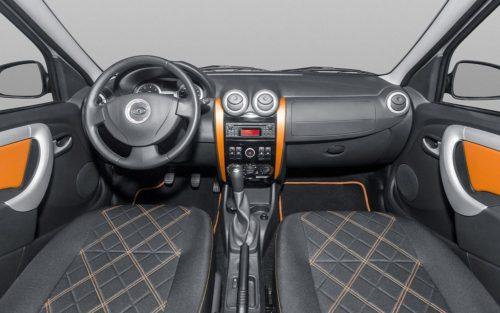 Передняя консоль внутри нового автомобиля Лада Ларгус 2018