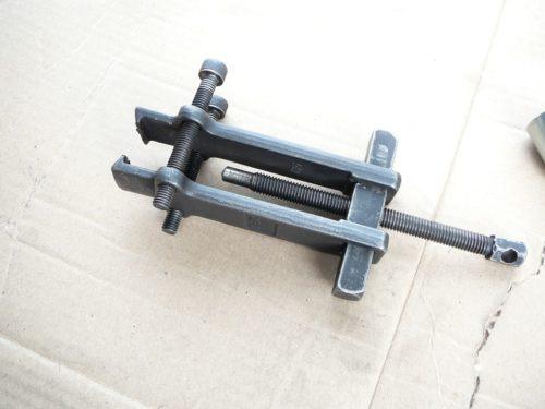 Съемник универсальный для демонтажа подшипников и втулок при ремонте автомобиля ВАЗ-2110