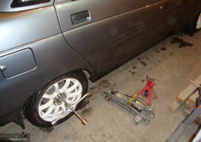 Демонтаж заднего колеса ВАЗ-2110