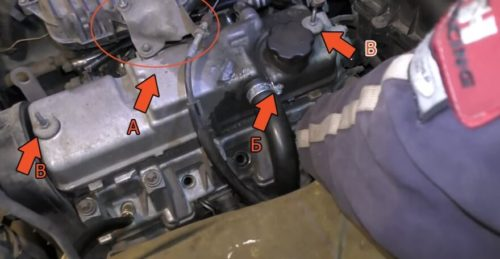 Крышка клапанной коробки с указанием точек крепления и подводящих шлангов в ВАЗ-2110