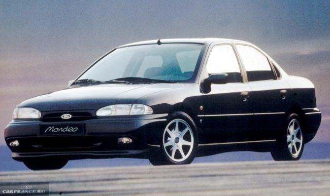 Седан представительского класса Форд Мондео 1993 года выпуска