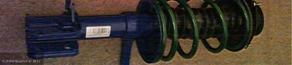 Передняя стойка ВАЗ-2110 вблизи
