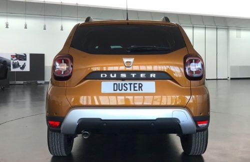 Фото задней части автомобиля Рено Дастер 2018 года