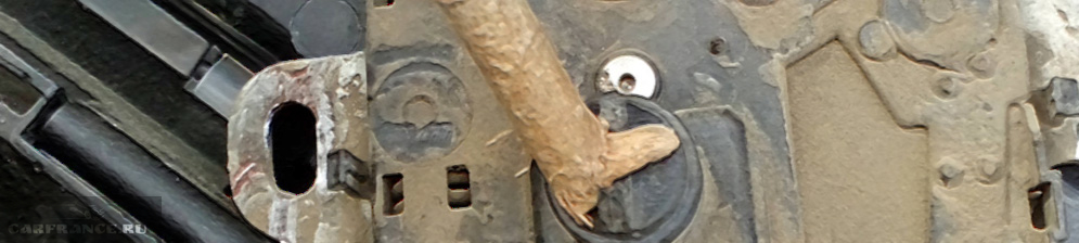 Замок капота на Форд Фокус 2 оторванная лапка