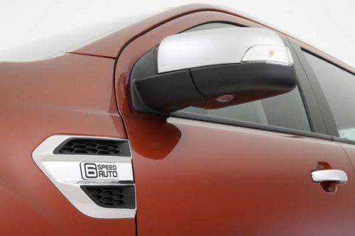 Наружное зеркало с хромированной вставкой на новом Форд Эверест 2018 года