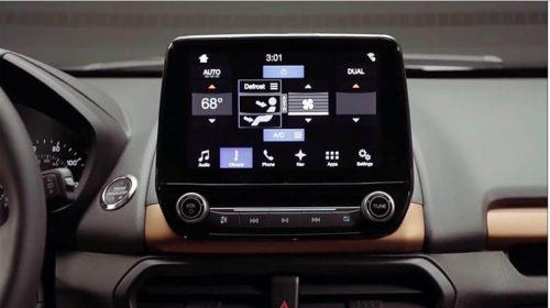Сенсорный монитор на центральной консоли в Форд Экоспорт 2018 модельного года