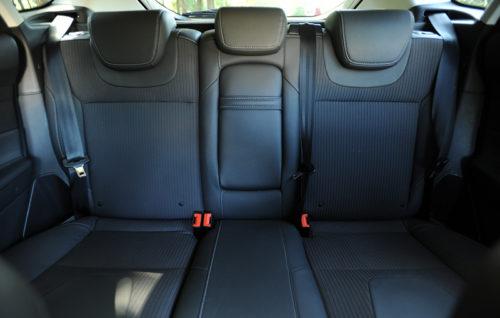Задние сидения в салоне американского автомобиля Форд Фокус 2018 года