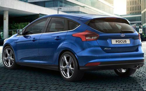 Задняя часть нового Форд Фокус 2018 модельного года