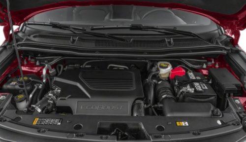 Двигатель с турбиной под капотом кроссовера Форд Эксплорер 2018 модельного года