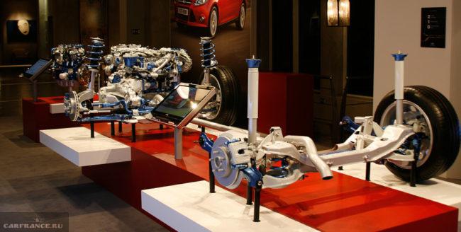 Выставочный стенд с трансмиссией автомобиля Форд Фокус 2018 модельного года