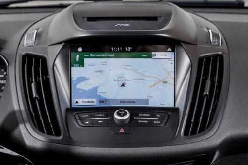 Сенсорный монитор навигационной системы в Форд Куга 2018 года производства