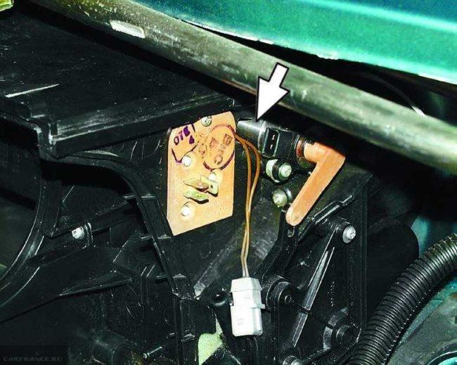Замена резистора отопителя ВАЗ 2110