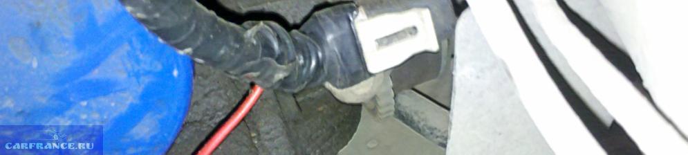 Датчик уровня масла на ВАЗ-2110 в дополнительной оплётке из изоленты