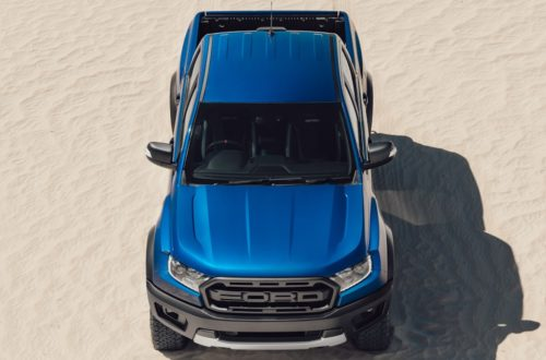 Фото сверху новой версии автомобиля повышенной проходимости Форд Рейнджер Раптор 2018 года