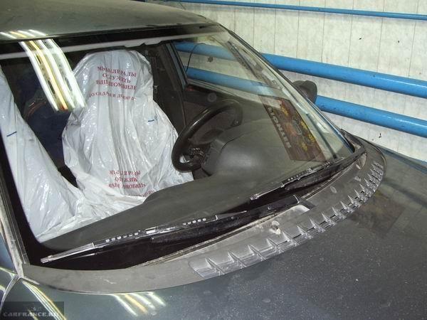 Новое лобовое стекло на ВАЗ-2110 высыхает клей