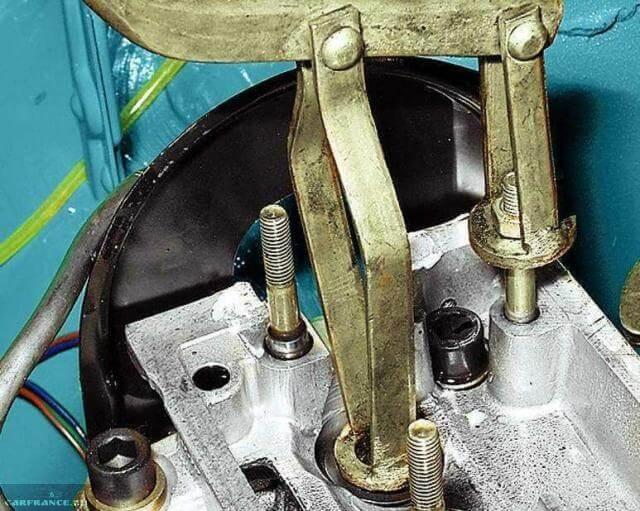 Прессовка клапана ВАЗ-2110.