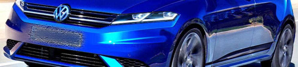 Вид спереди синий Гольф Фольксваген 2018 модельного года